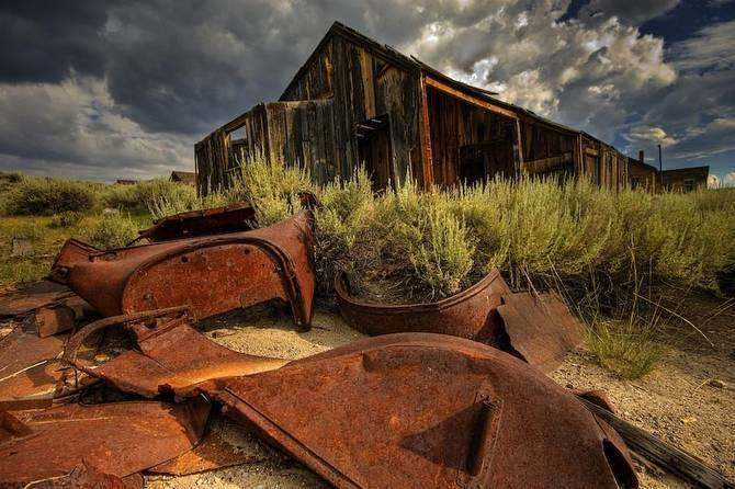 Bodie State Park rusted cottage