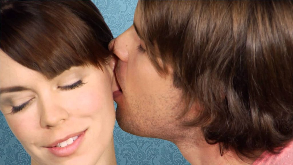 how to kiss a girl on the neck № 256580