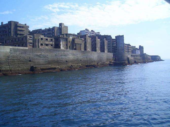 Gunkanjima Japan from water