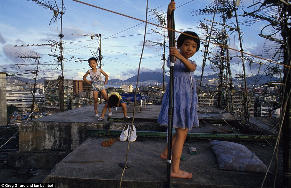 Kowloon Walled City kids playing