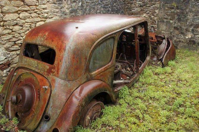 Oradour-sur-Glane rusted beatle